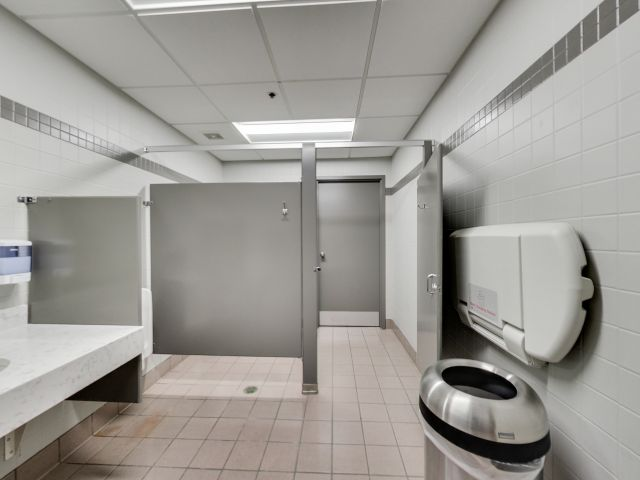 3948-bathroom