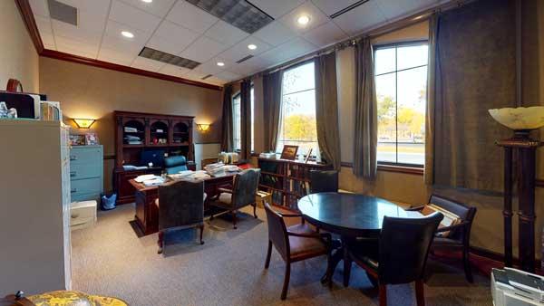 1000 Twelve Oaks executive office