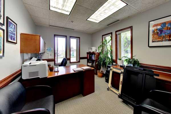 8053 E Bloomington Fwy, office