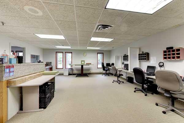 8053 E Bloomington Fwy, open office